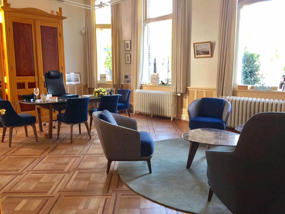 Interieur Baarn - Gemeentehuis burgemeester kamer