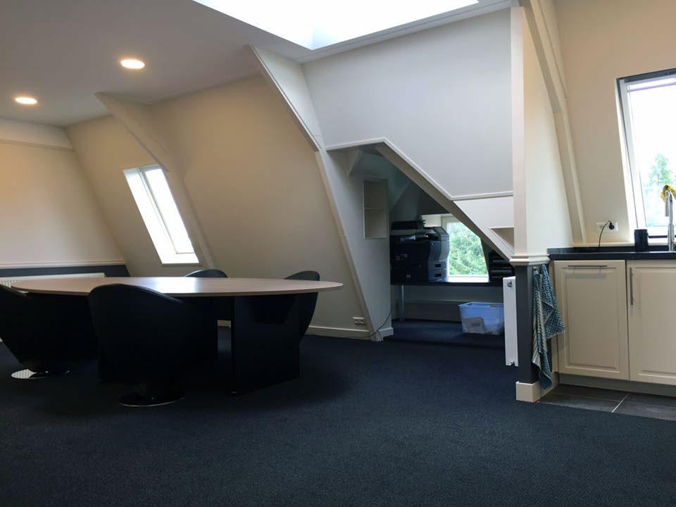 Interieur Baarn tapijt op de werkplek
